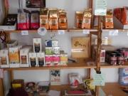 Wir haben auch fair gehandelten Kaffee, Tee, Zucker, Schokolade und mehr!